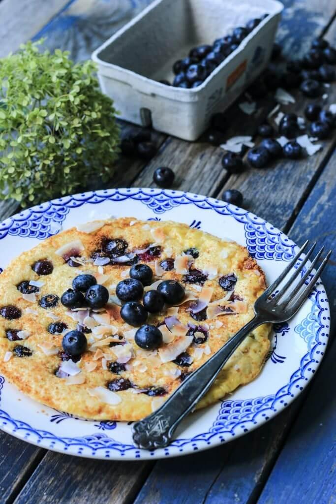 Low Carb Blaubeer-Kokos-Omelett