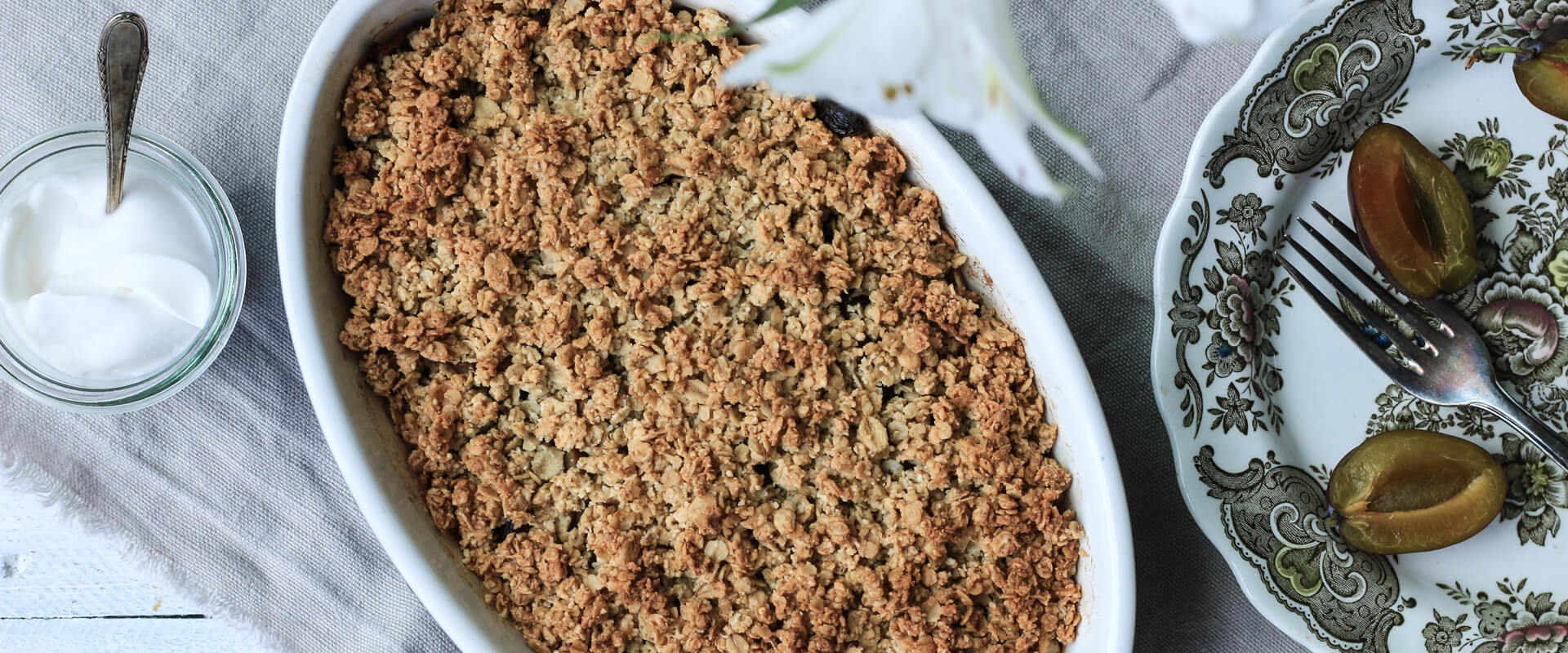 Zwetschgen Crumble ohne Mehl und Zucker