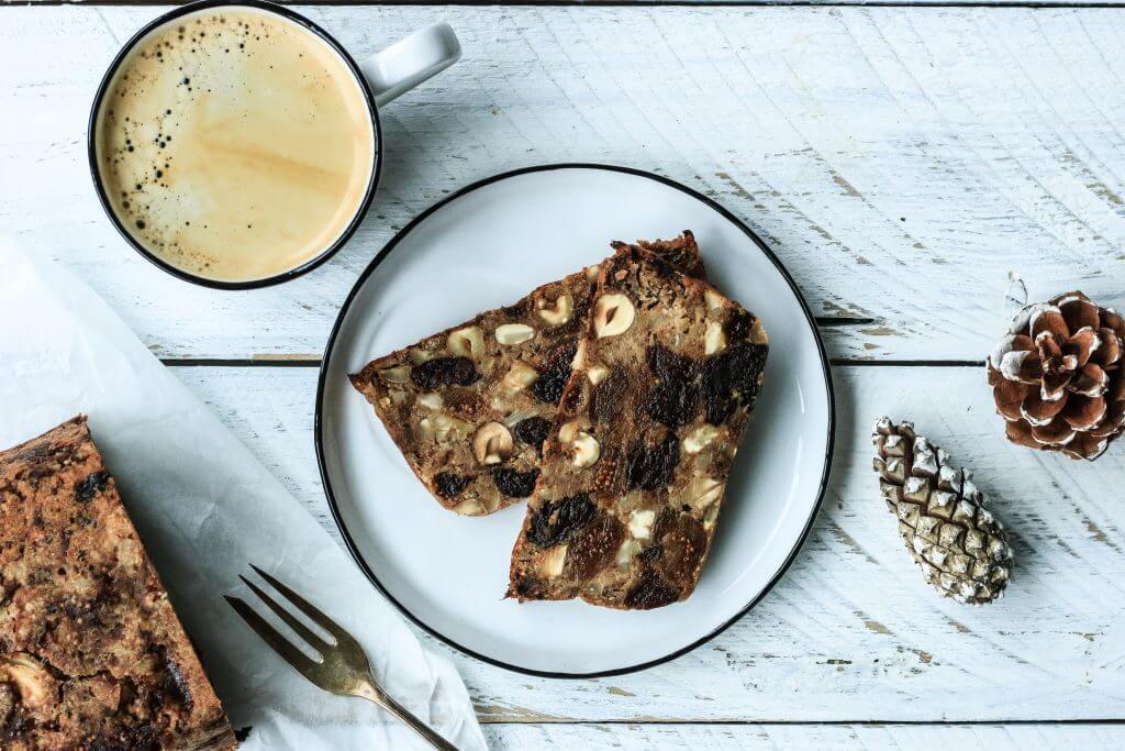 Weihnachtliches Früchte Nuss Brot - vegan, gluten- und zuckerfrei