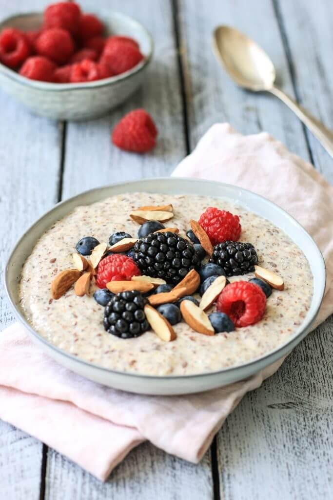 Frühstück zum Abnehmen: Low Carb Protein Porridge